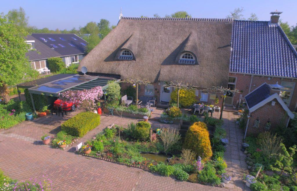 Deze afbeelding heeft een leeg alt-attribuut; de bestandsnaam is boerderij-van-boven-drone-nr-50-1024x657.jpg